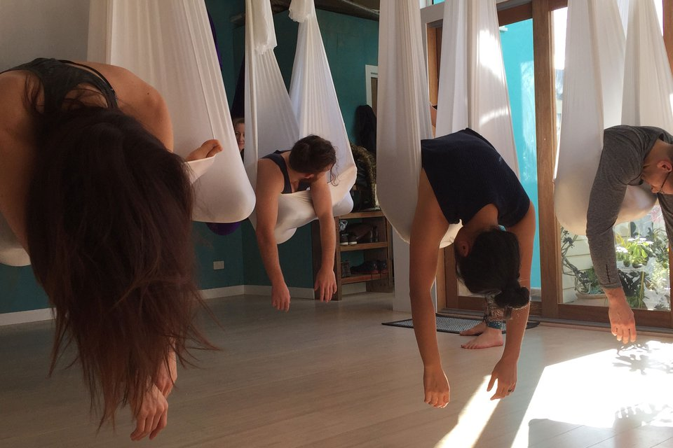 5 Benefits of Aerial Yoga