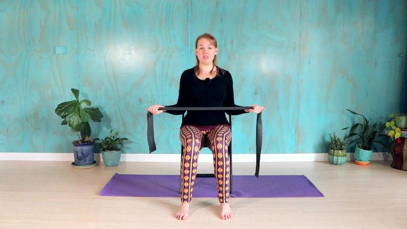 chair-yoga-stable-shoulders.jpg